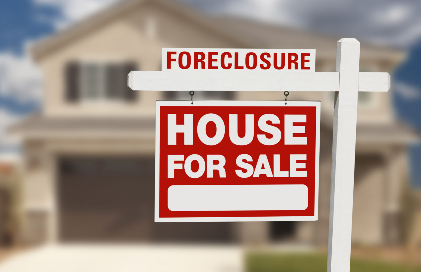 Foreclosure activity tumbles to 6-year low in April