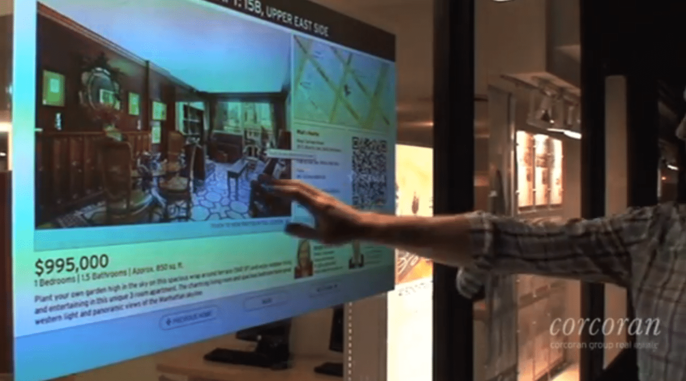 Brokerage's interactive display attracts users like moths to light