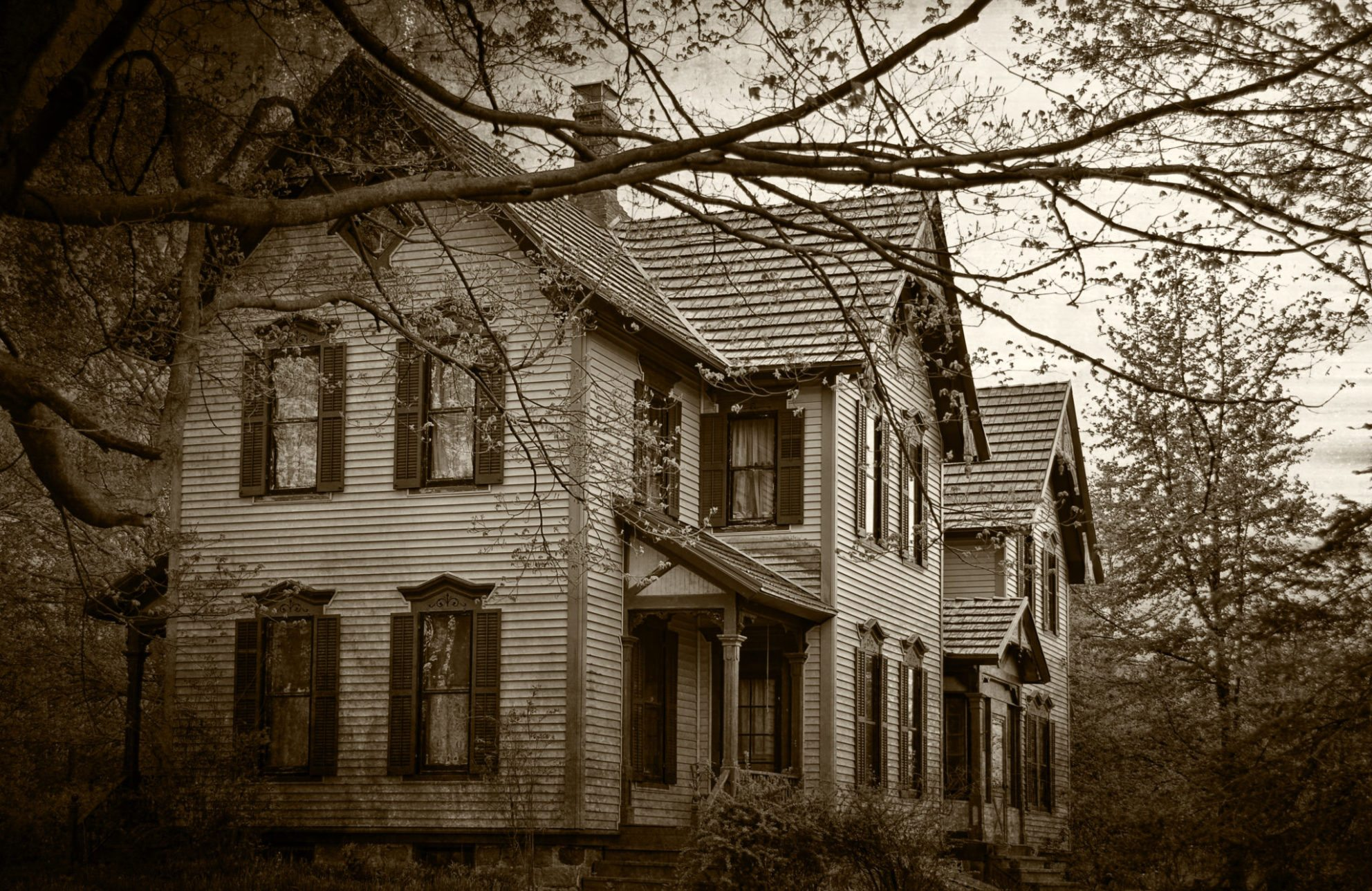 Haunted real estate: Realtor recalls frightening experiences as a newbie