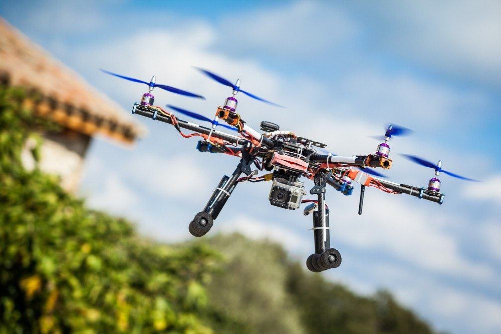 Judge throws out FAA's ban on commercial use of small drones