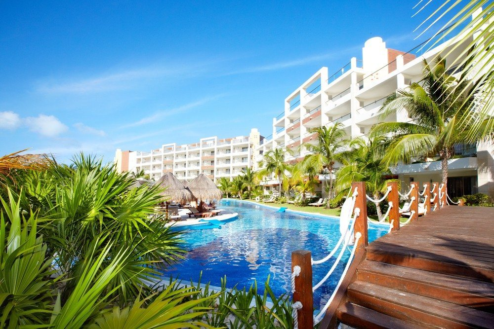 Mexzip.com markets properties south of the border to retirees