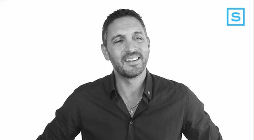 Do you dial, swipe or text? Mauricio Umansky