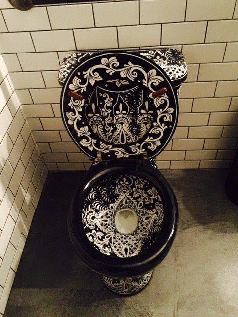 luxury_toilet