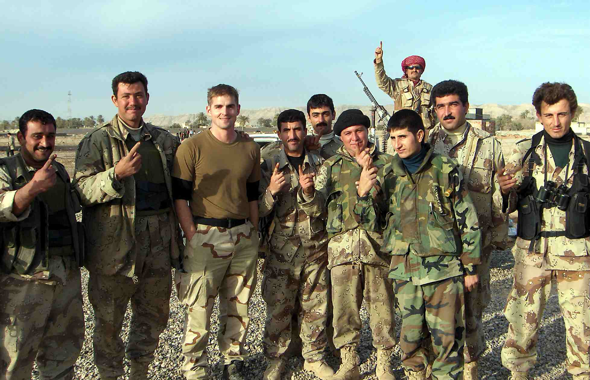 Tommy Sowers (second from left) in Iraq. Photo credit: Panosian32 via Wikimedia Commons.