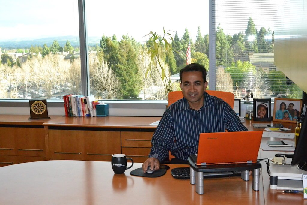 Avi Gupta Desk