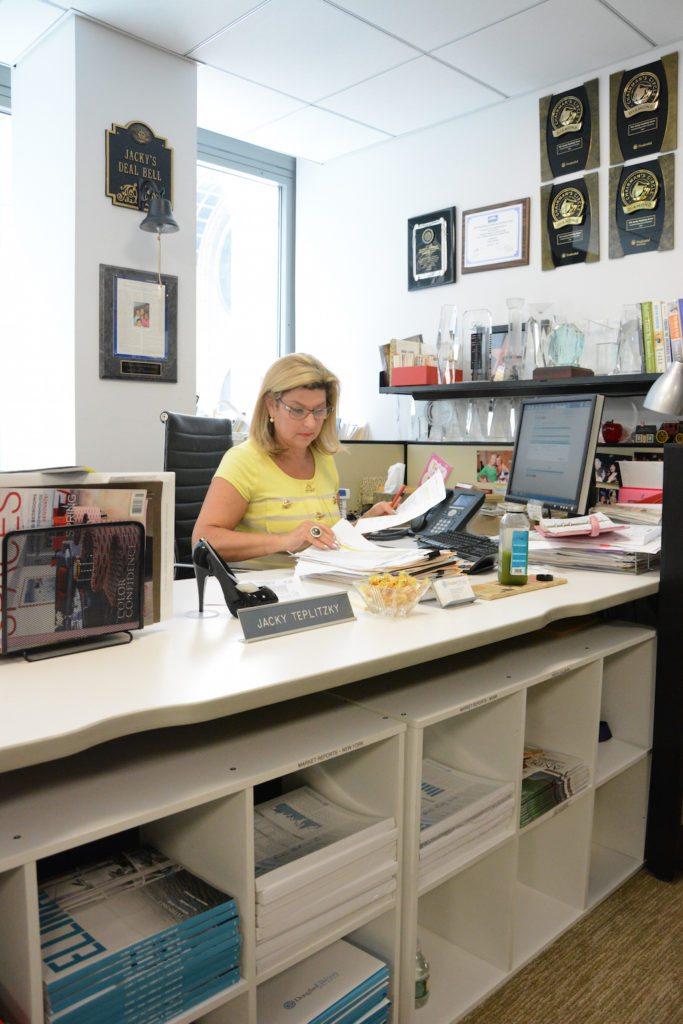 JT Desk 1