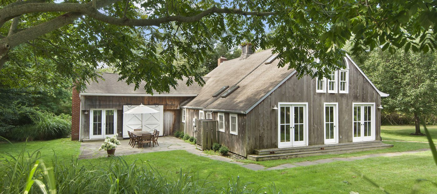 Luxury listing of the day: light-filled 1740s barn in Sagaponack, NY