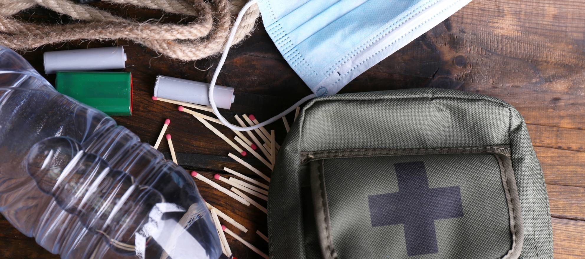 The real estate agent emergency kit: 11 must-have tools to keep in your car