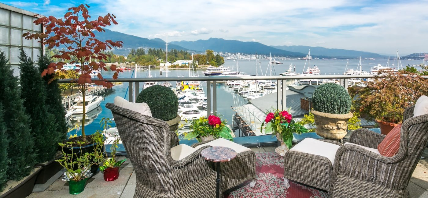 3-D listing of the day: A cozy seaside home on Coal Harbour