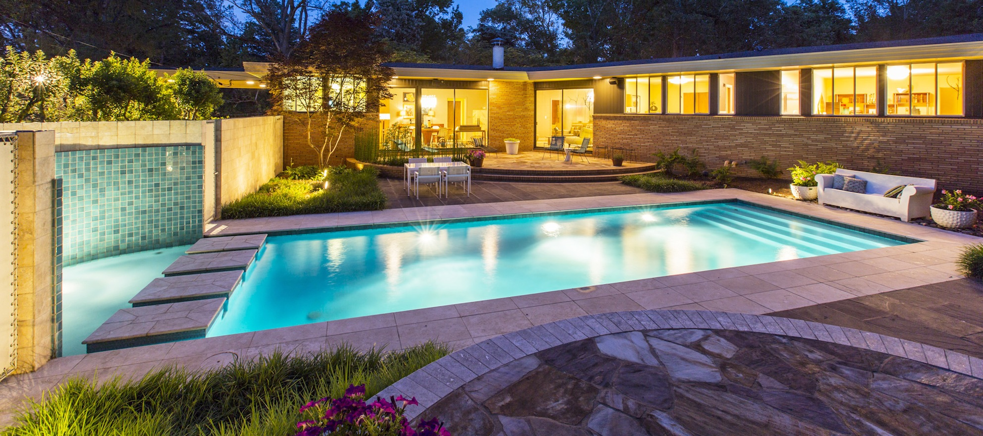Video listing of the day: An entertainer's dream