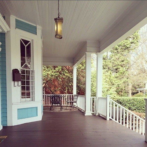 savvy-co-front-porch