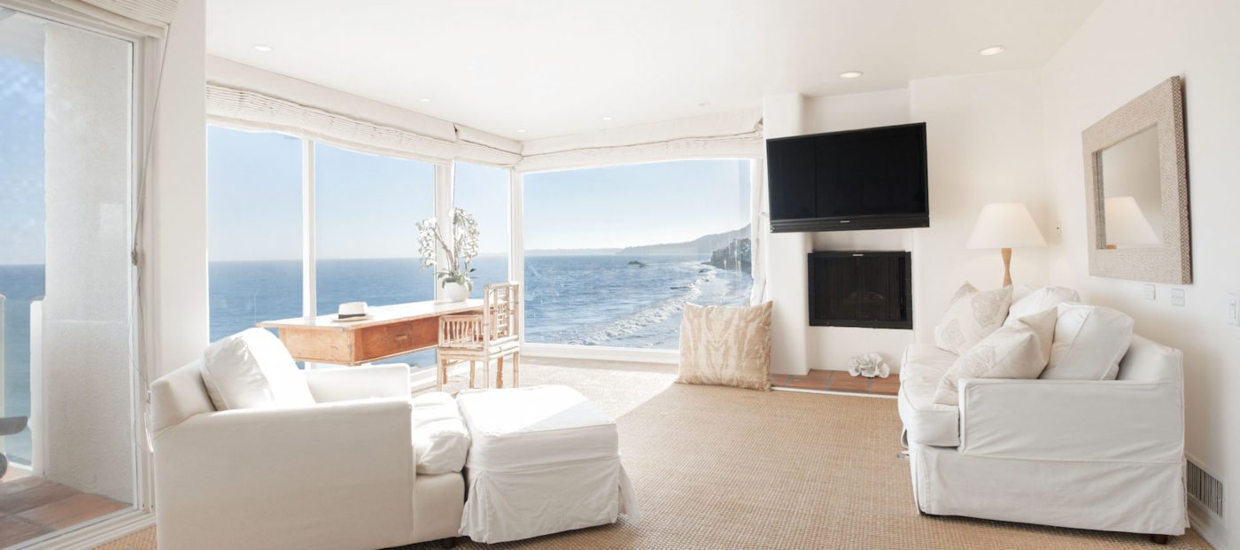 Luxury listing of the day: Beachfront villa in Malibu, Calif.