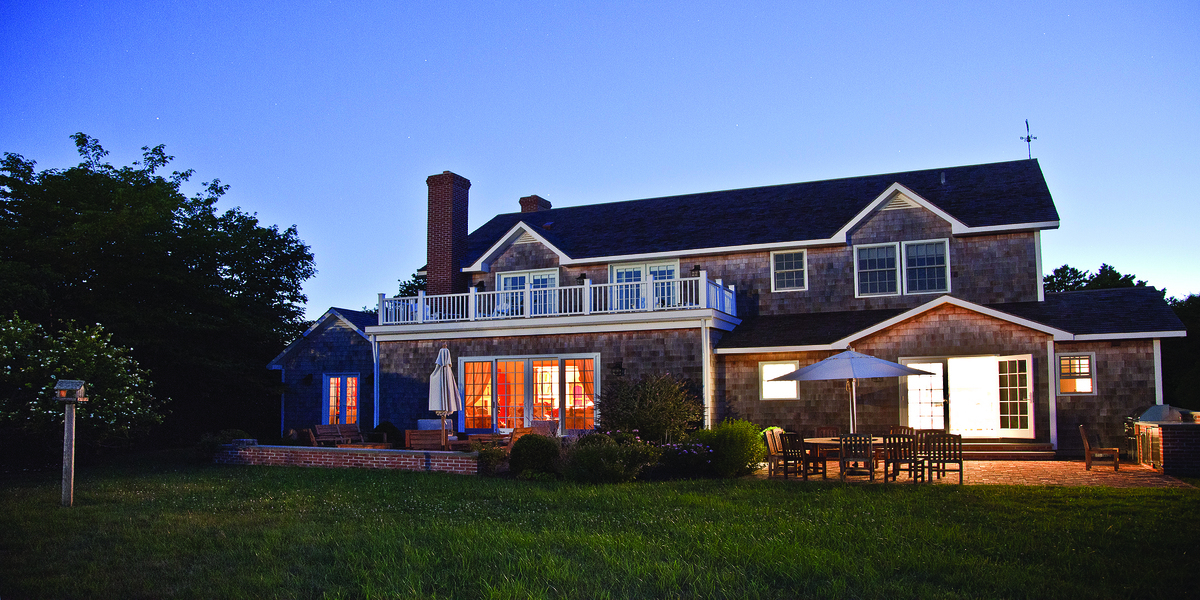 Luxury listing of the day: East Hampton waterfront estate in N.Y.
