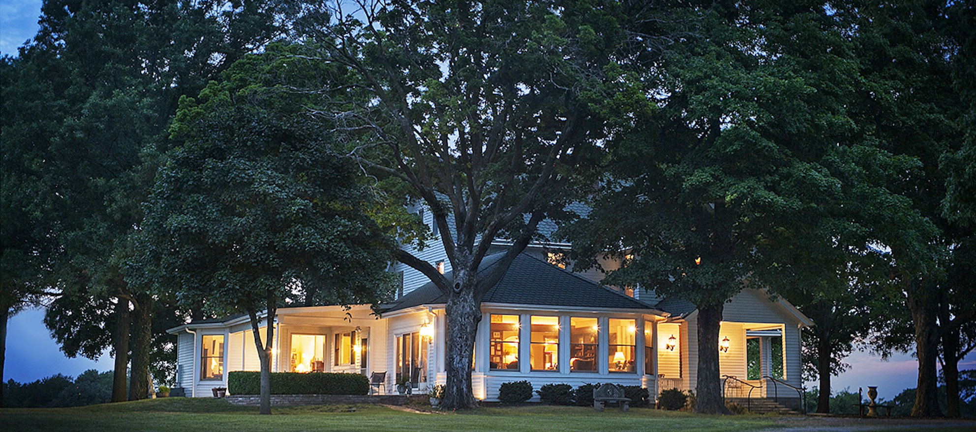 Video listing of the day: A charming farm house