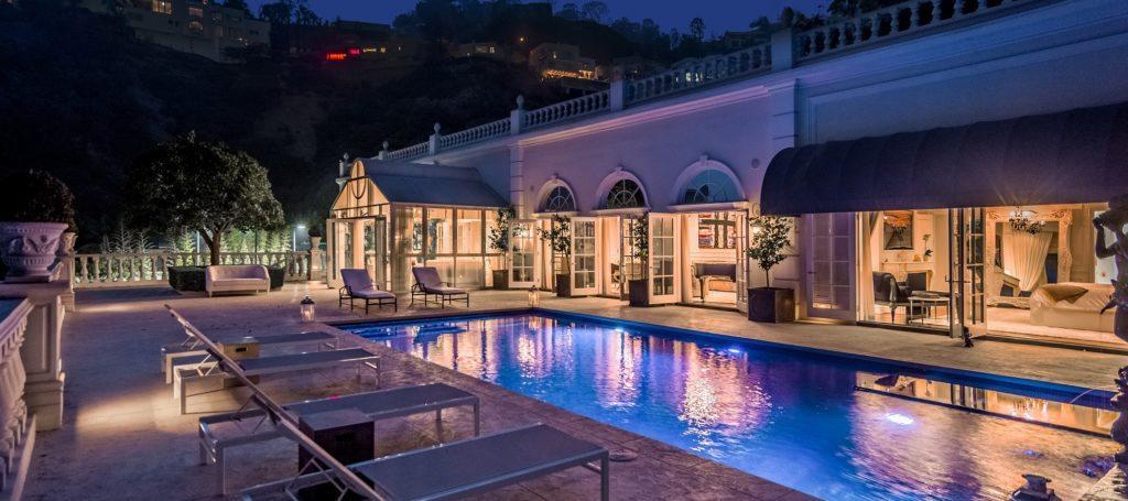 Luxury listing: Rising Glen mansion with sprawling views