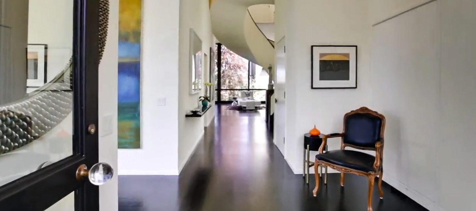 Listing video: Modern home designed with art in mind