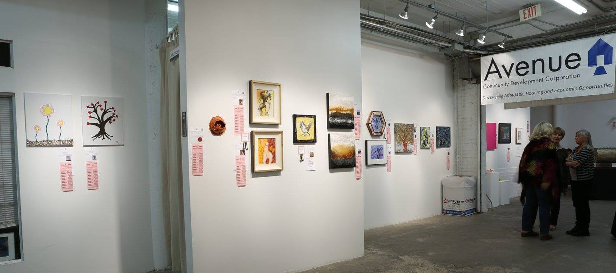 Houston art auction raises cash for nonprofit housing group