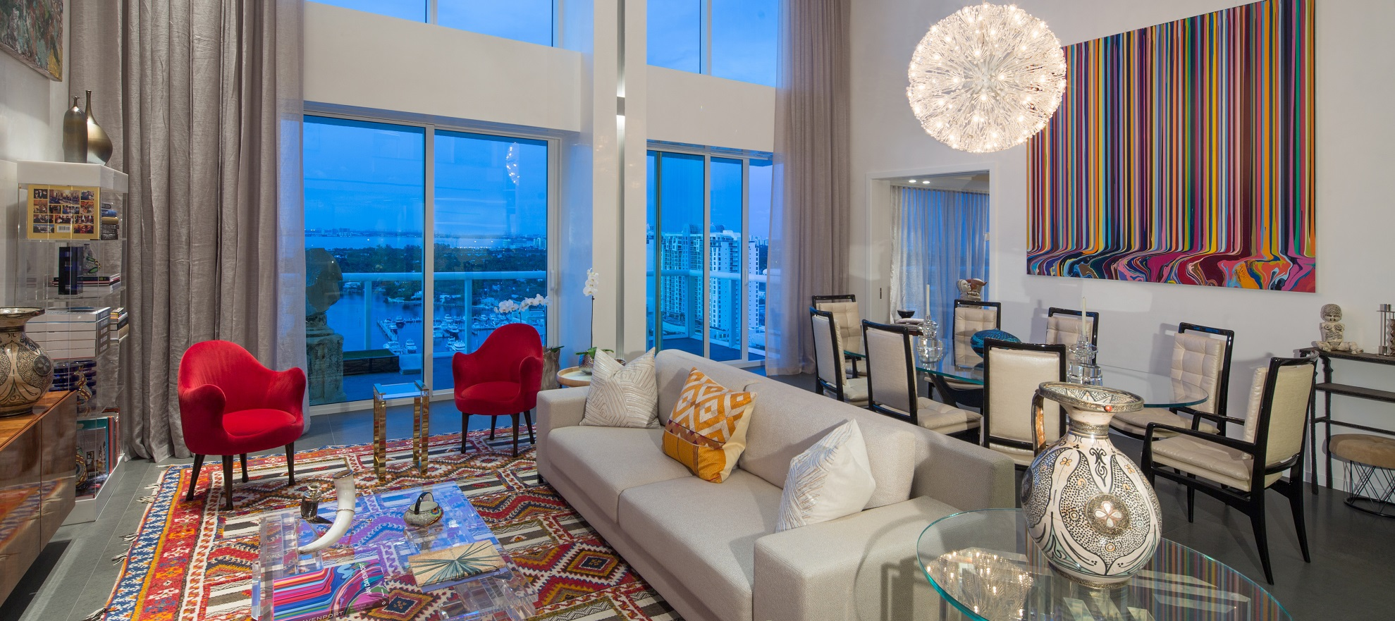 Luxury listing: Modern penthouse with sweeping views