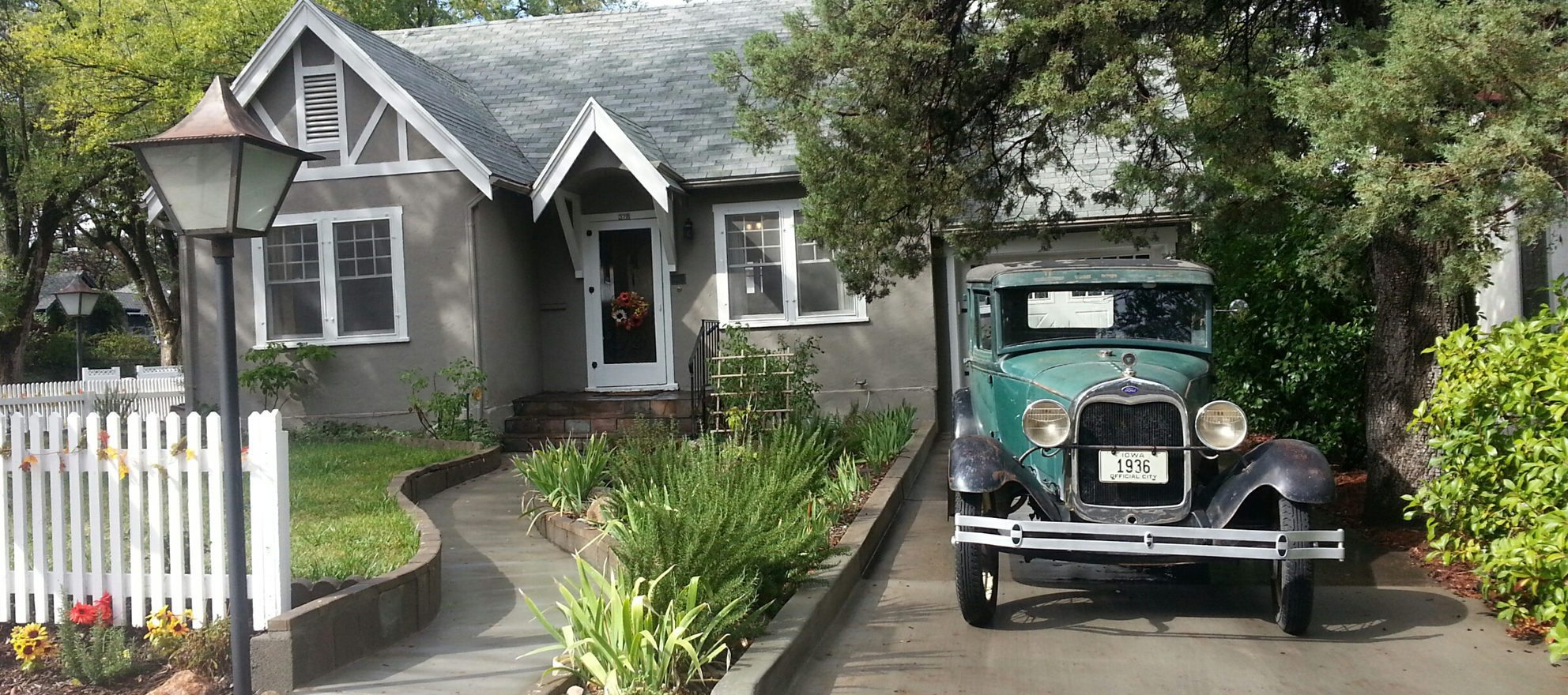 Time-travel staging brings dozens to open house
