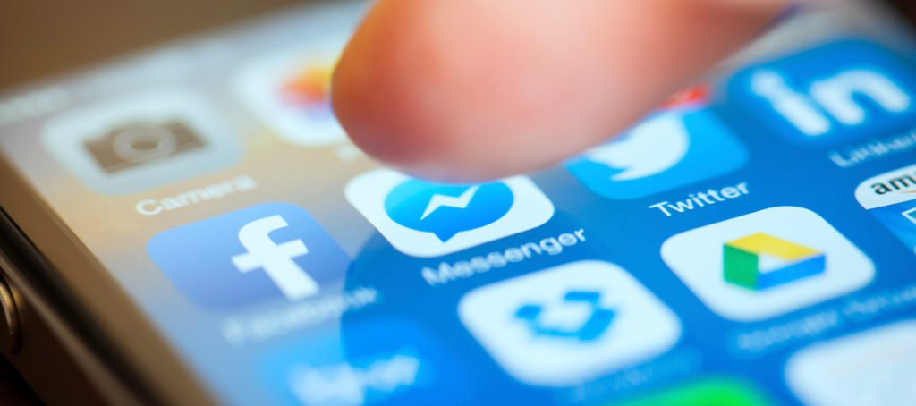 How to use Facebook messenger to generate real estate leads