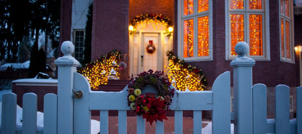 4 ways to spread a little holiday cheer to your sphere