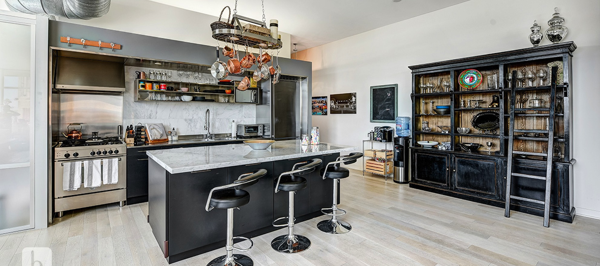 3-D home of the day: Stylish living at Gallery Lofts