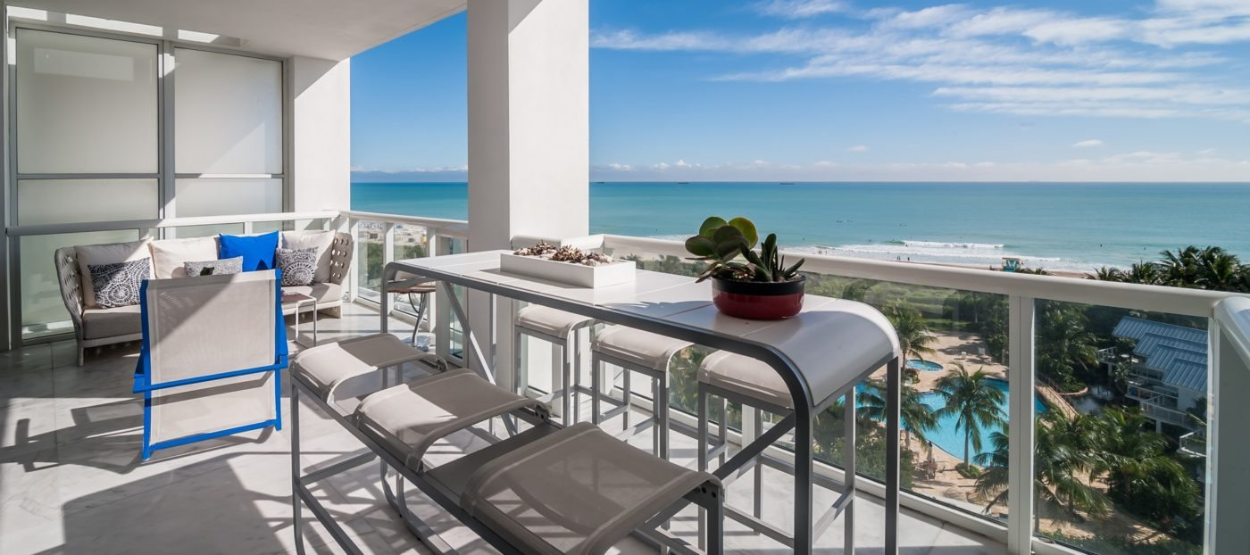 Luxury listing: modern elegance on the beachfront