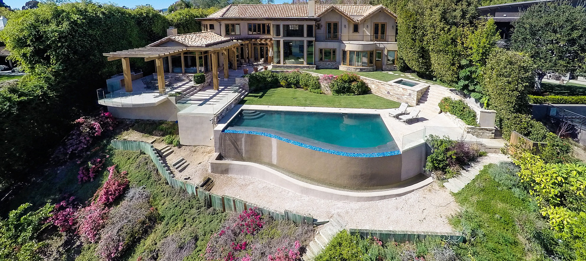 Luxury listing: Panoramic views at the country club