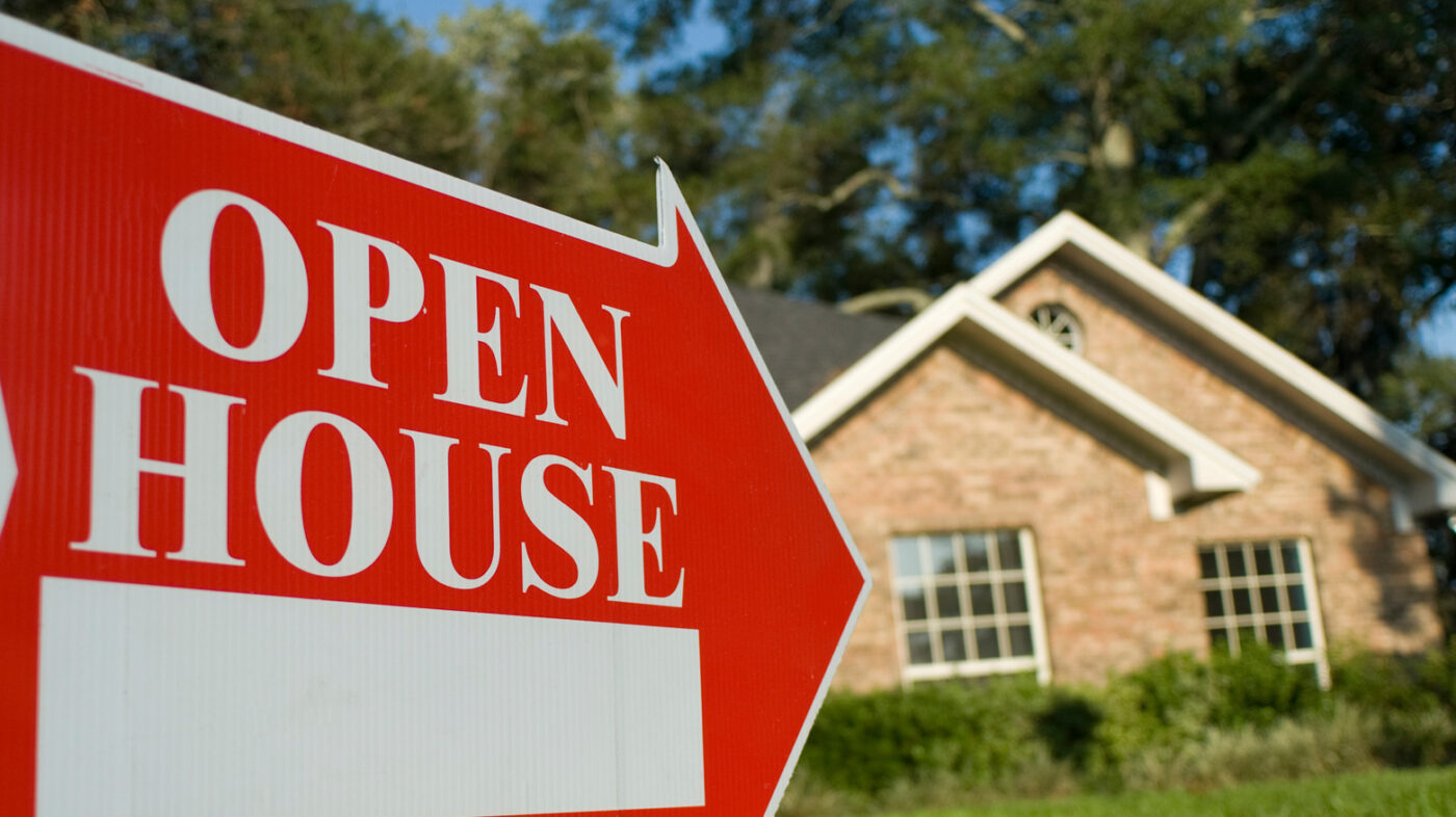 When listing a home, there's a mid-week sweet spot: Zillow