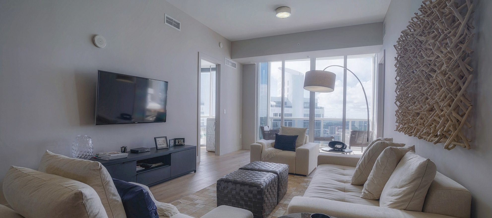 Luxury listing: royale penthouse with panoramic views
