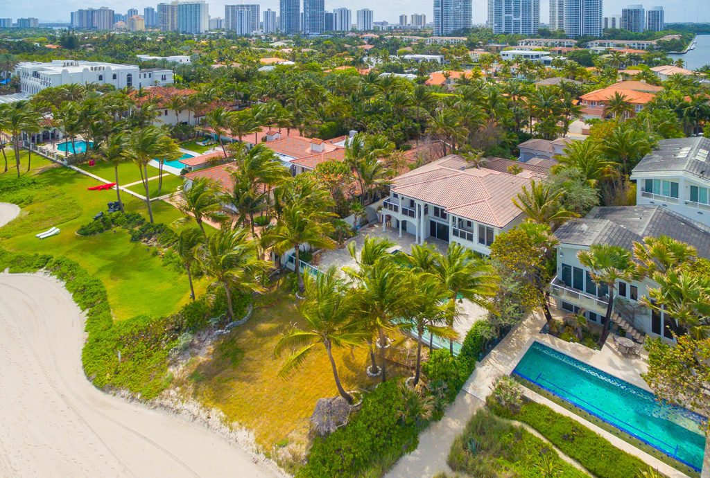 Sammy Sosa's just-sold Miami pad.