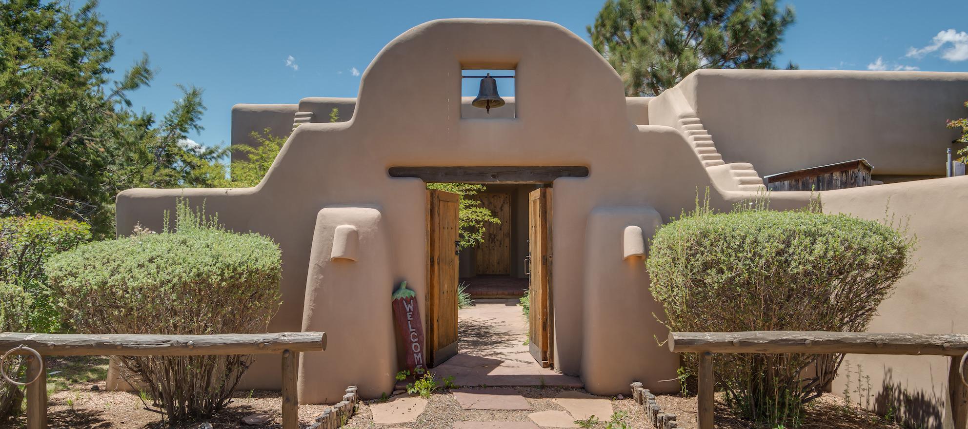 Luxury listing: Travis Ranch in Santa Fe, New Mexico