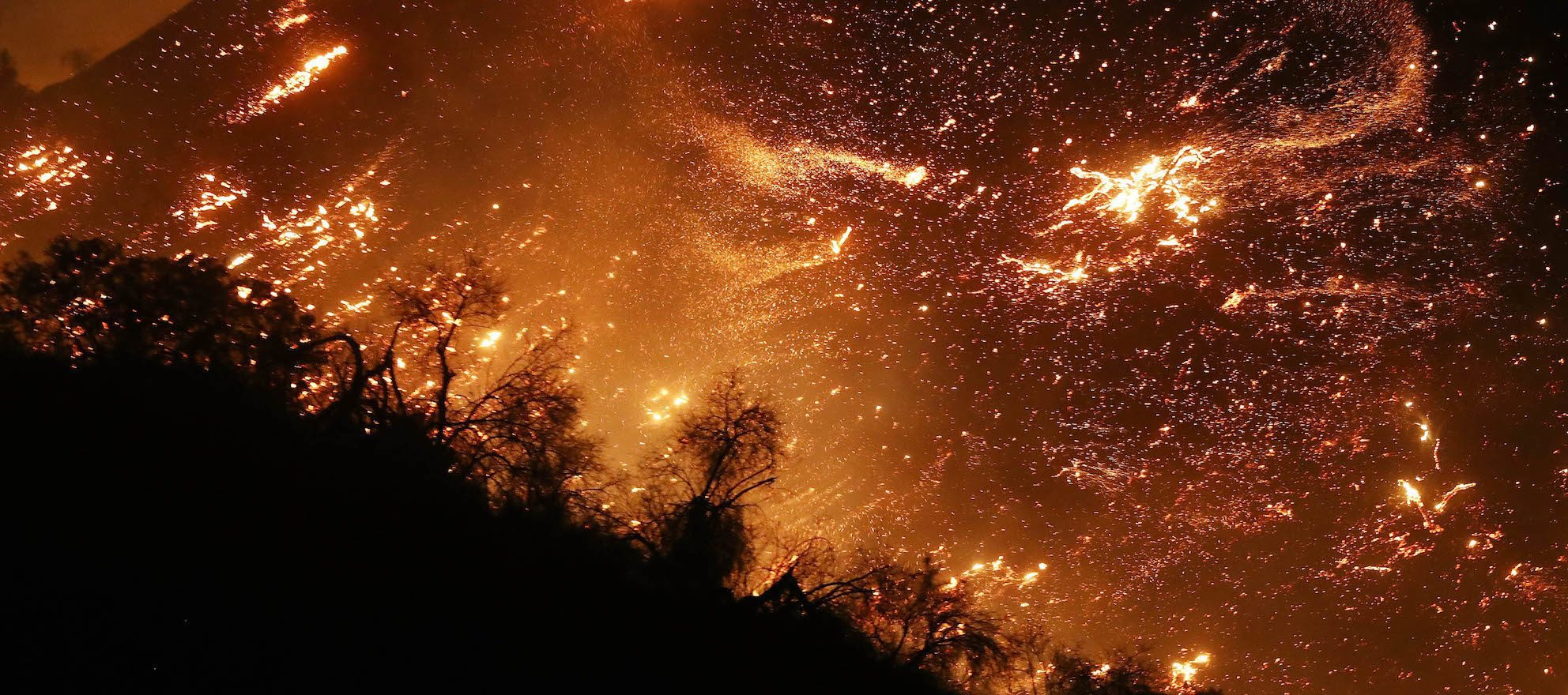 Celebrities among thousands of residents evacuating SoCal fires