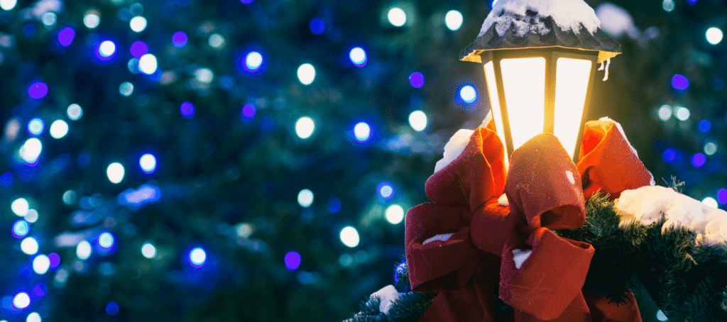The right way to market yourself during the holidays