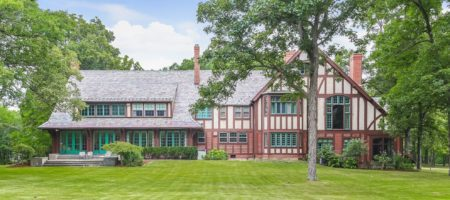 Vacuum magnate Hoover's estate hits market as priciest Chicago burbs home