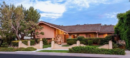 'Brady Bunch' house goes to HGTV, will be restored to TV classic original