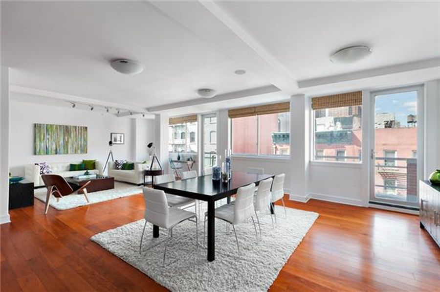 123 Baxter 5D interior. Credit: Zillow