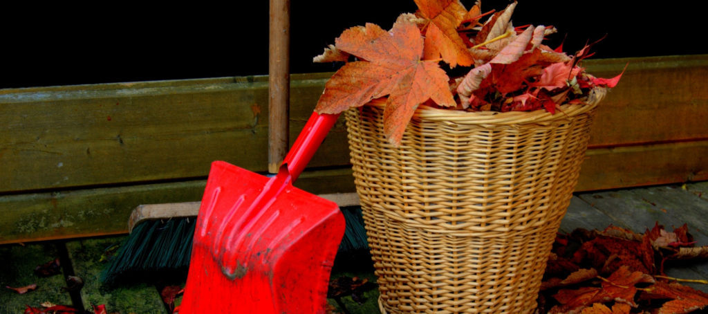 Share this home maintenance checklist to keep in touch with clients this fall