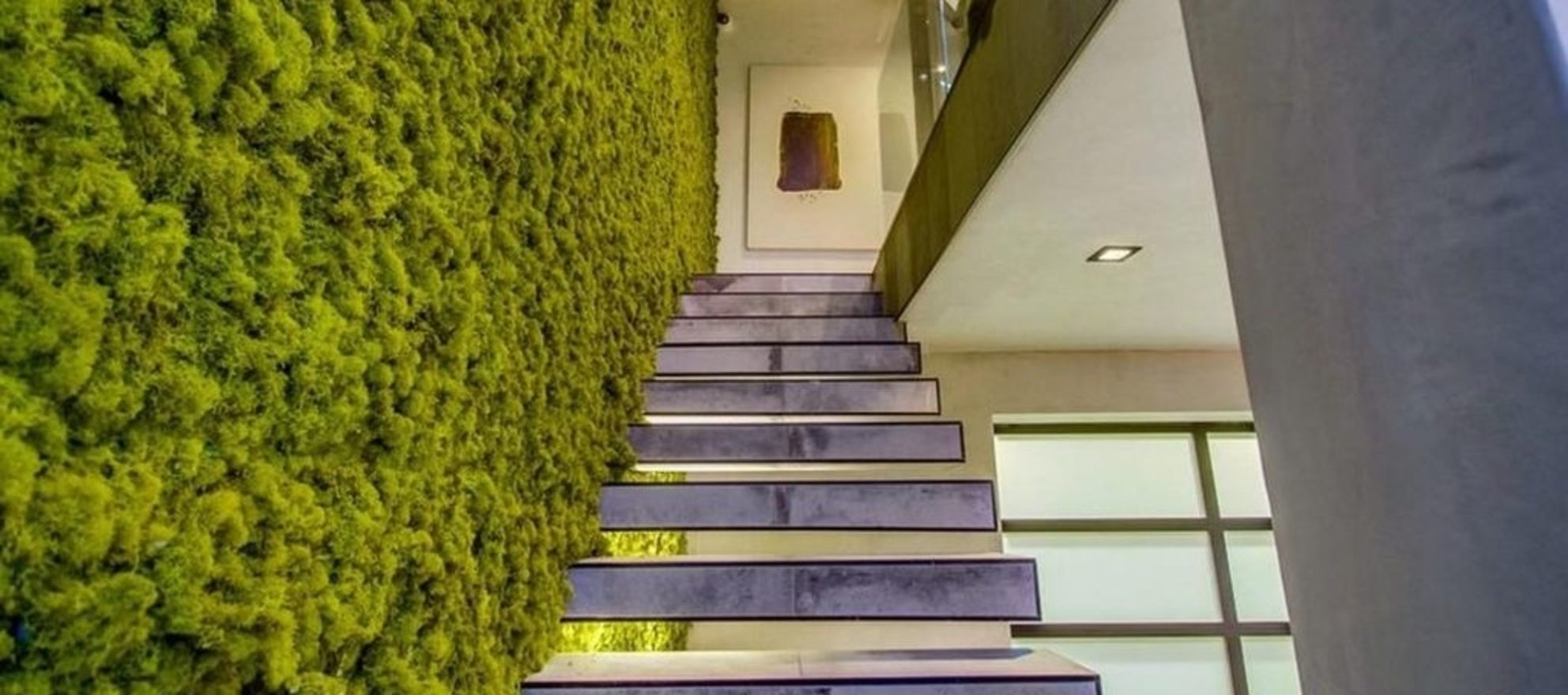 This listing agent spruced up a mansion with a living wall