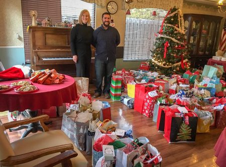 How 2 Realtors played Santa to their neighborhood senior center