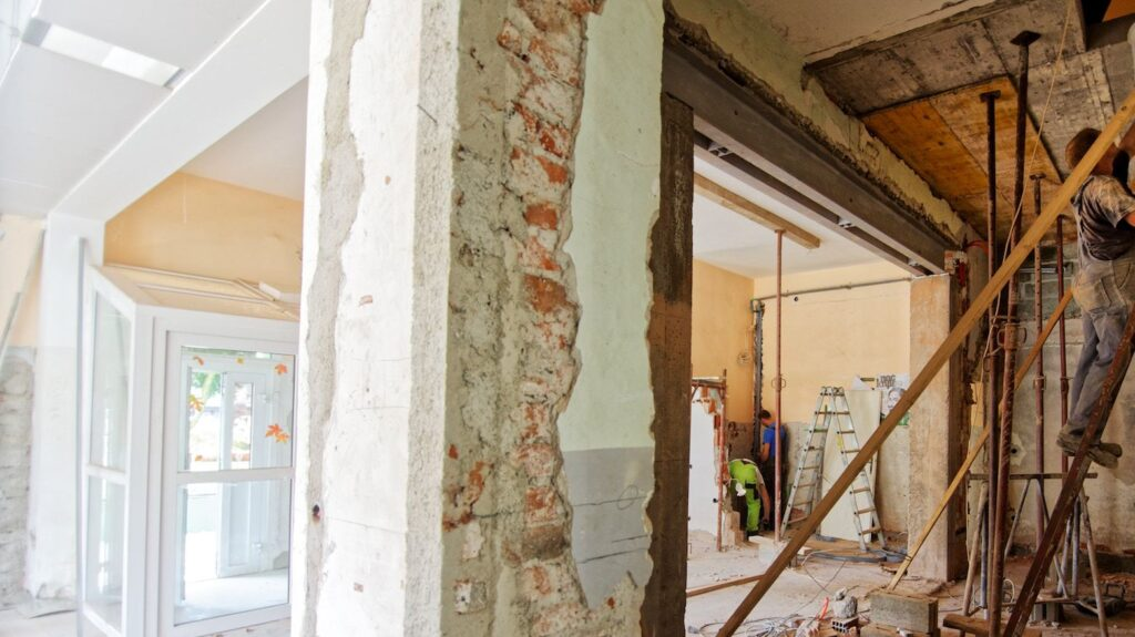 Flips falter: Share of fixer-upper home sales drops as margins dip