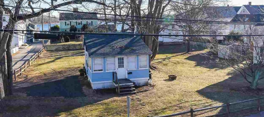 It's a 320-square-foot shack. And it's on the market for $2M