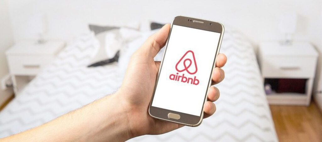 Airbnb adds another mortgage refinancing partner