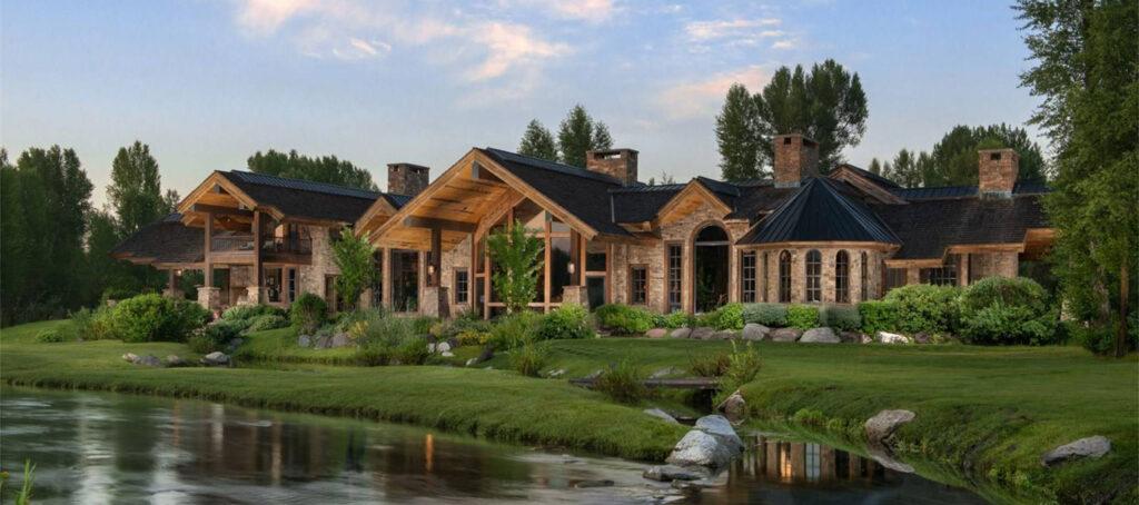 A luxury real estate agent's summer checklist