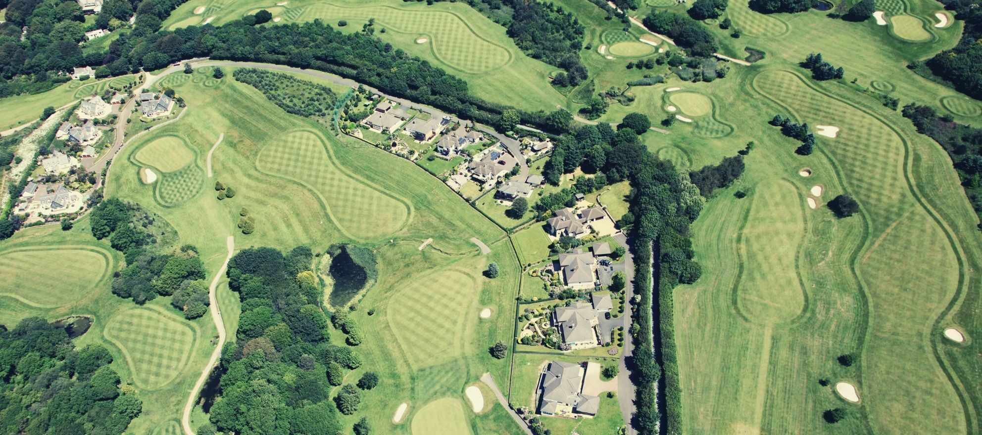 5 ways golf course communities are luring in buyers