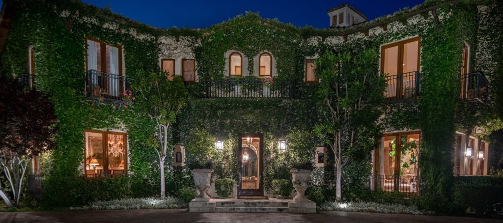 Boxing legend Sugar Ray Leonard lists villa for $52M