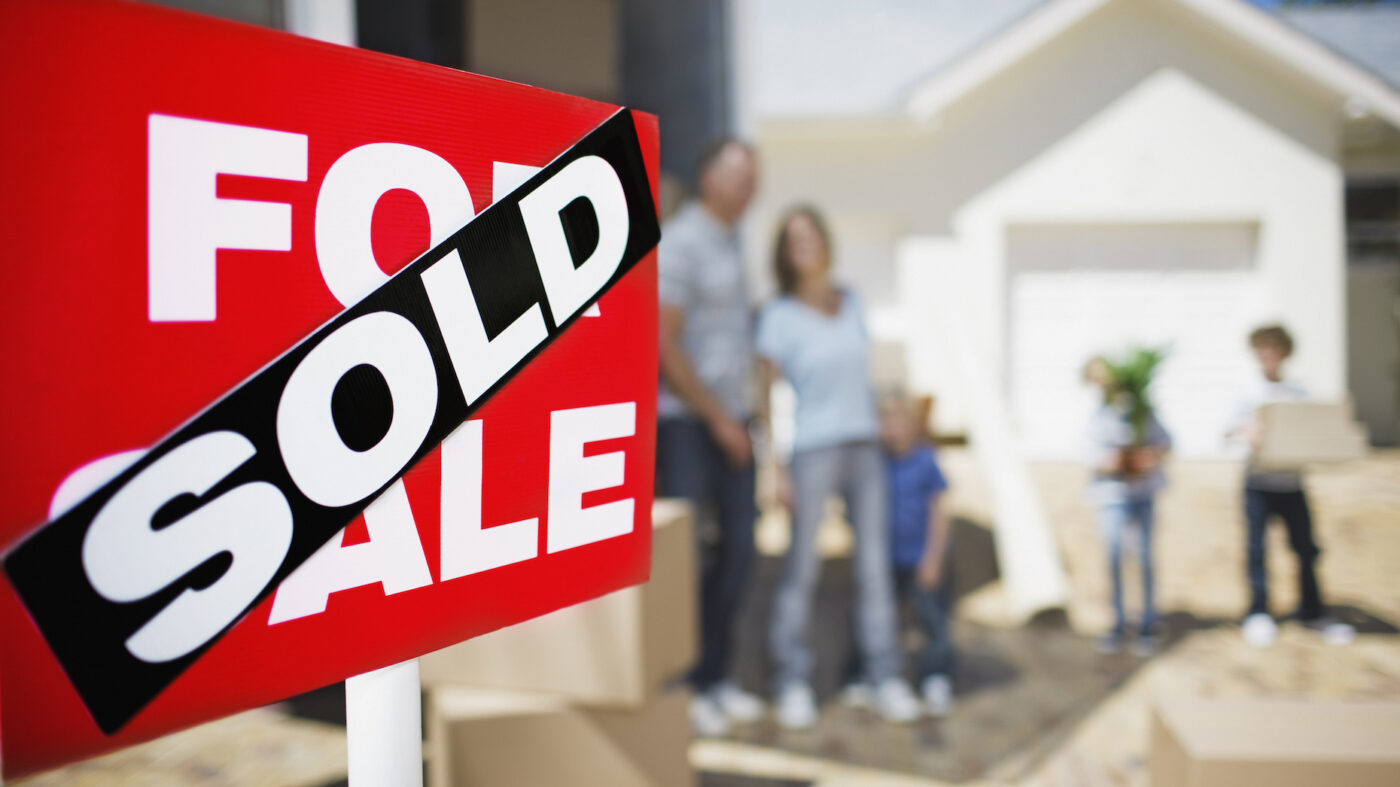 The hot housing market isn't ending any time soon: Zillow