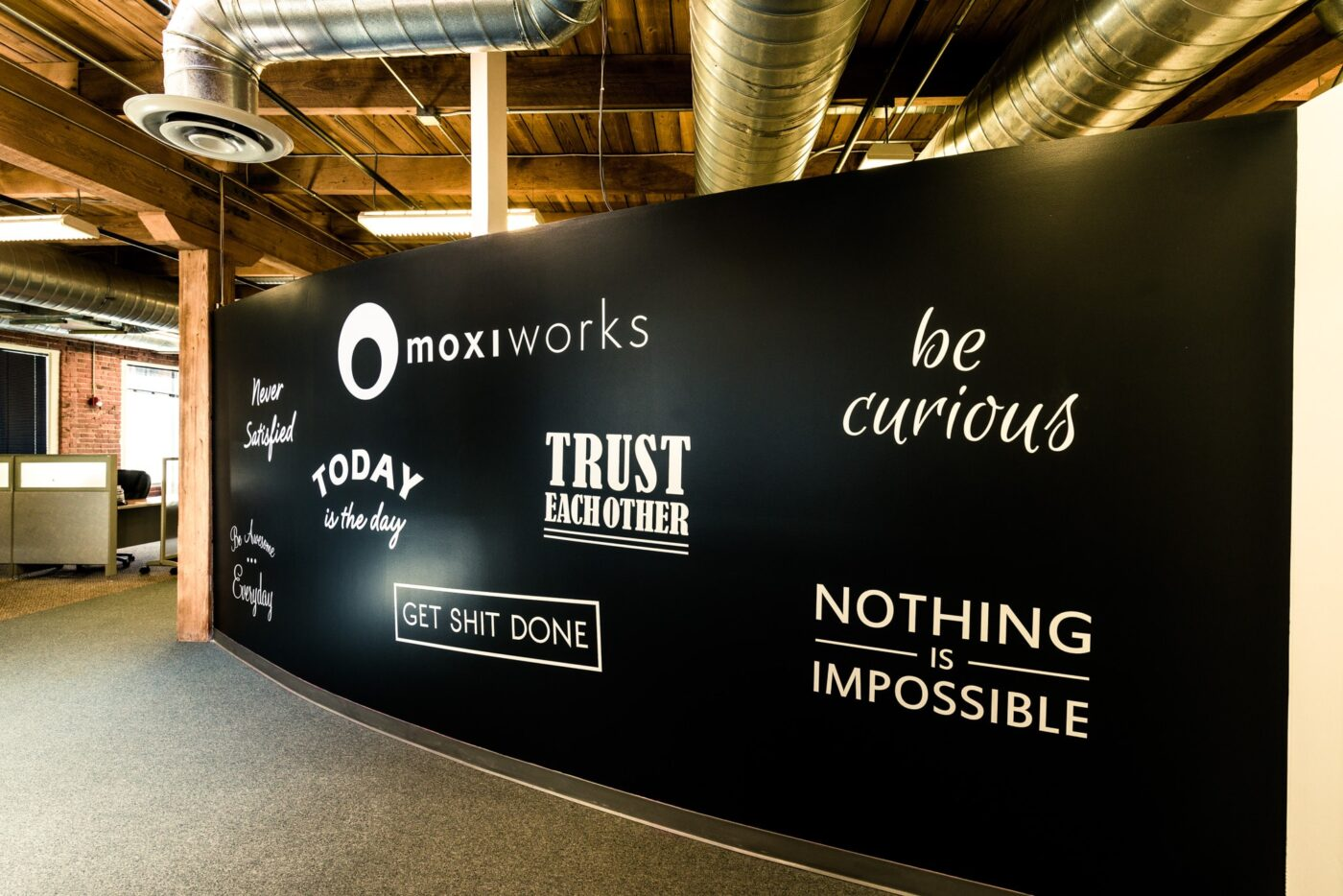 MoxiPresent launches new tools and better brand control