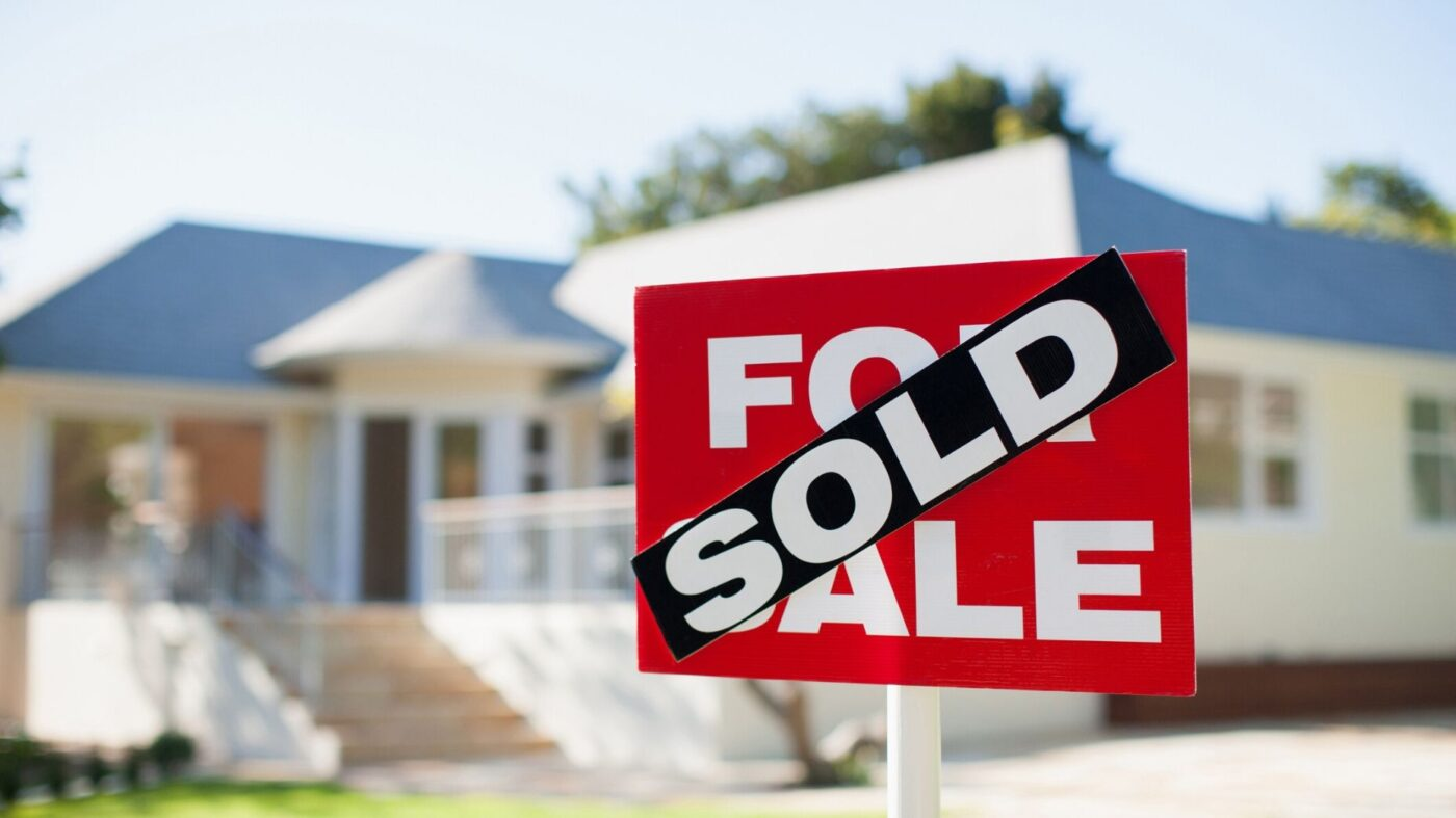 Pending home sales rise in February