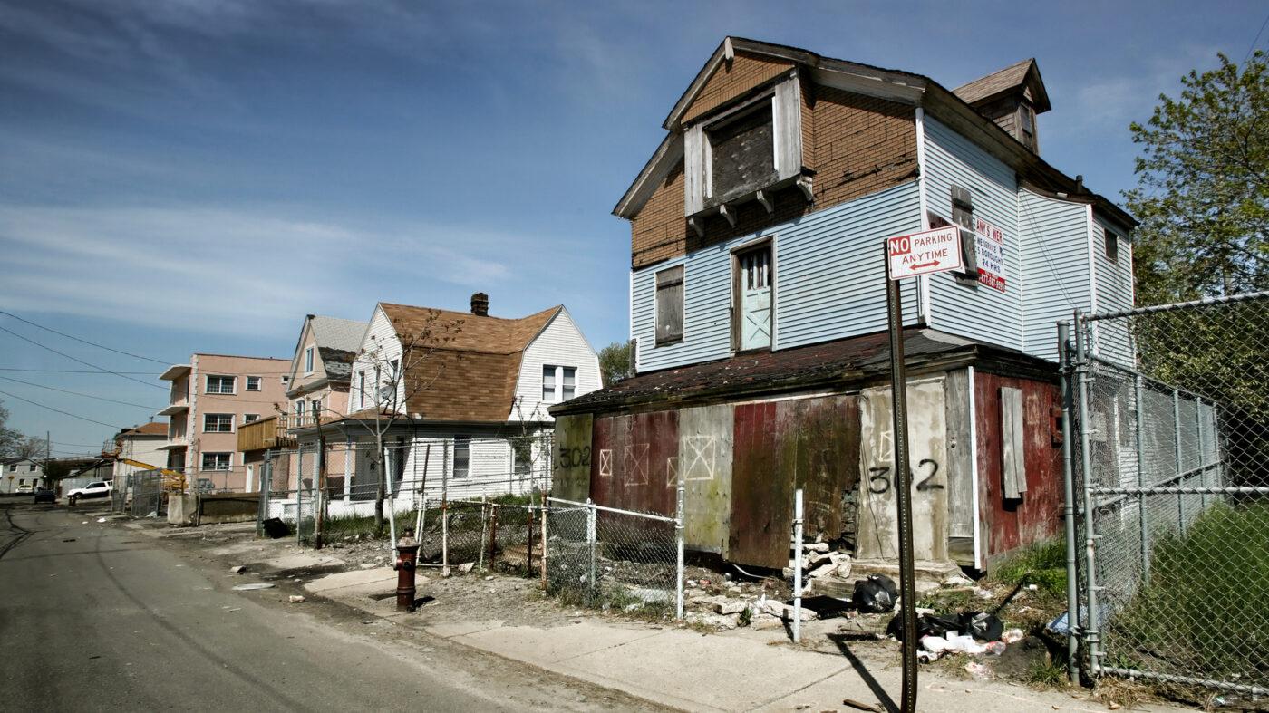 Delinquency rates keep dropping, remain at record lows